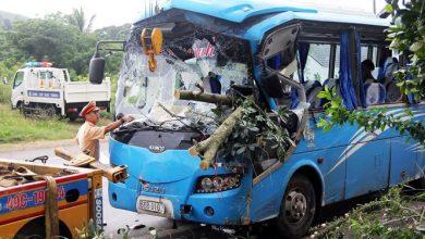 Photo of Xe khách chở hơn 20 người lấn làn gây tai nạn nghiêm trọng