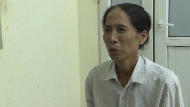 Photo of Vợ rải đinh trên Quốc lộ để giúp chồng có thêm thu nhập