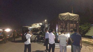 Photo of Xe khách húc đuôi xe container làm 16 người bị thương trên QL38B