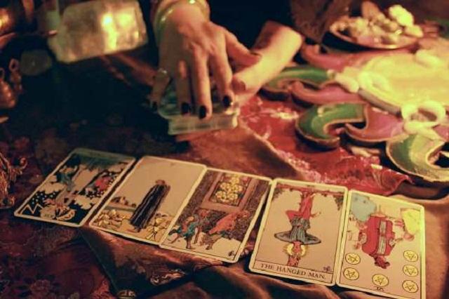 Bài Tarot được dùng như một lời tiên tri