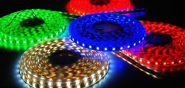 Bên trong đèn LED có cấu tạo phức tạp