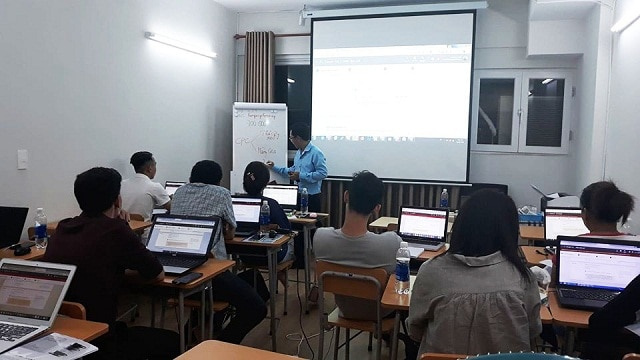 Kết thúc khóa học Marketing Online tại trung tâm IMTA, học viên sẽ nắm rõ các kiến thức kinh doanh Online
