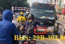 Photo of Phạt tiền, tước GPLX tài xế xe khách ngang nhiên vượt phải cầu Thái Hà