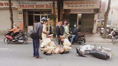 Photo of Vĩnh Phúc: Đại úy CSGT bị đối tượng vi phạm bỏ chạy đâm gẫy tay