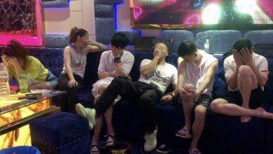 Photo of Hàng chục cô gái Việt cùng khách nước ngoài phê ma túy trong quán karaoke