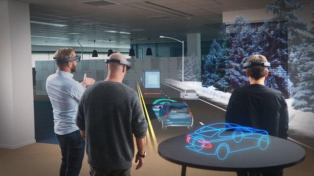 VR và AR có chung đặc điểm là cả hai đều dựa trên nền tảng ảo để hoạt động