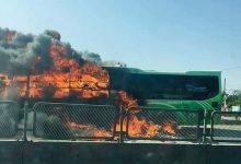 Photo of Hành khách hú vía khi xe khách đang chạy bất ngờ bốc cháy ngùn ngụt trên QL1A