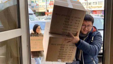 Photo of Bạn trẻ Việt ở CH Séc gửi khẩu trang chống dịch cho người dân Vĩnh Phúc