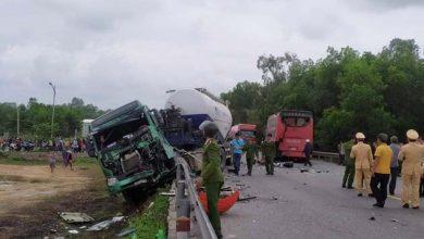 Photo of 2 Xe khách và xe bồn đâm liên hoàn trên Quốc lộ 1A khiến 7 người nhập viện