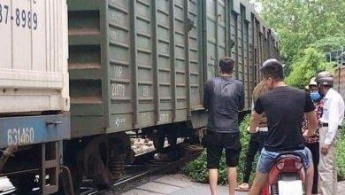 Photo of Bỏ lại xe đạp điện, người phụ nữ mới sinh con lao vào tàu hỏa t.ự t.-ử