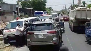 Photo of Tước bằng lái tài xế cản trở xe cứu thương