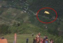 Photo of Clip: Tai nạn dù lượn ở Yên Bái, hai người rơi từ không trung xuống đất