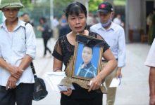 Photo of Mẹ nam sinh chạy Grab lặng người nghe kẻ sát hại con mình khai tội